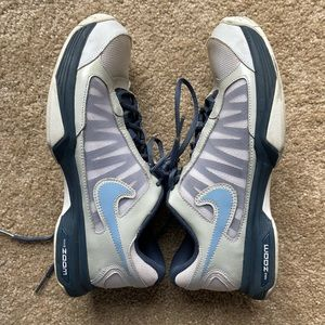 [Nike] white and blue zoom - size 7.5